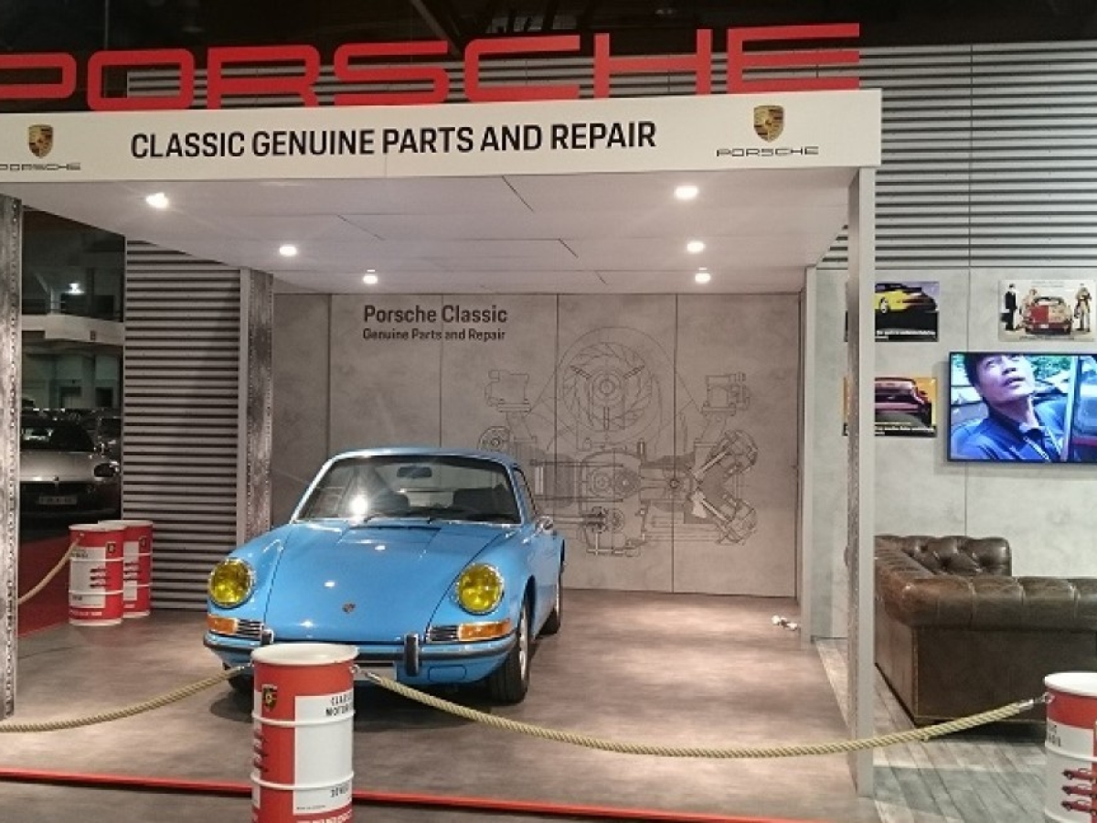 PORSCHE AU SALON INTERCLASSIC