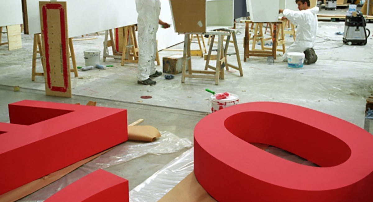 L'atelier menuiserie mis à l'honneur par Joëlle Milquet.