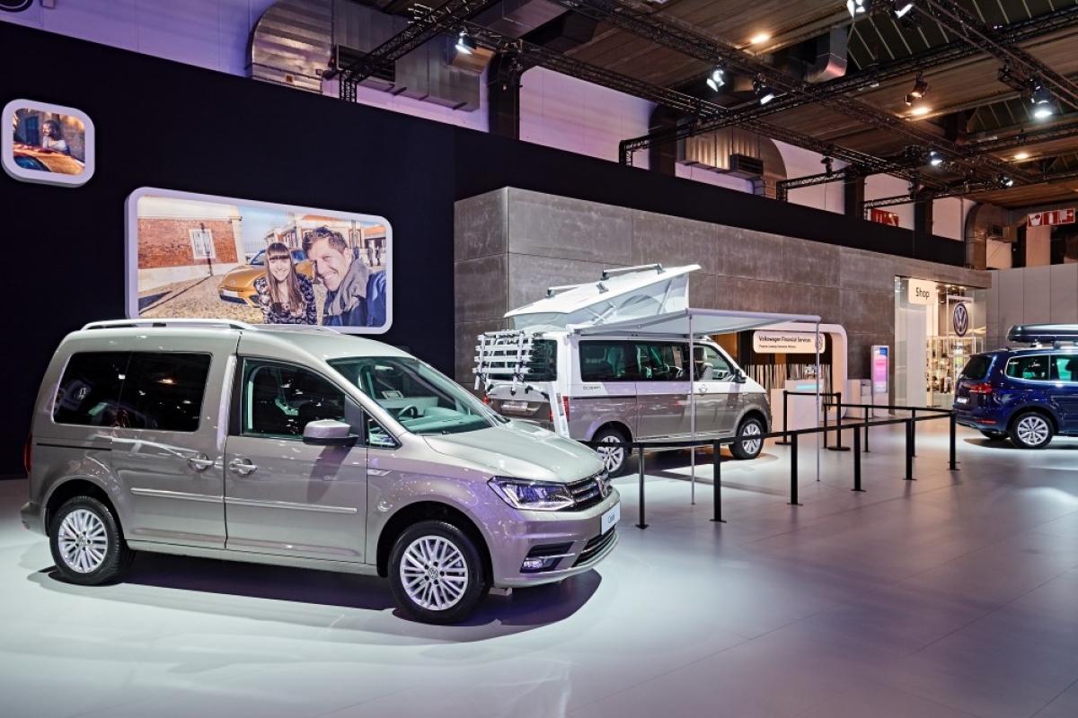 Volkswagen 2016 2017 salon de l 39 auto bruxelles for Stand salon auto