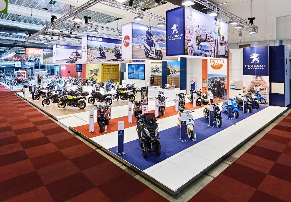 Peugeot-Suzuki-Sim- -salon auto- Auto beurs - conceptexpo - stand building - construction stand (2)