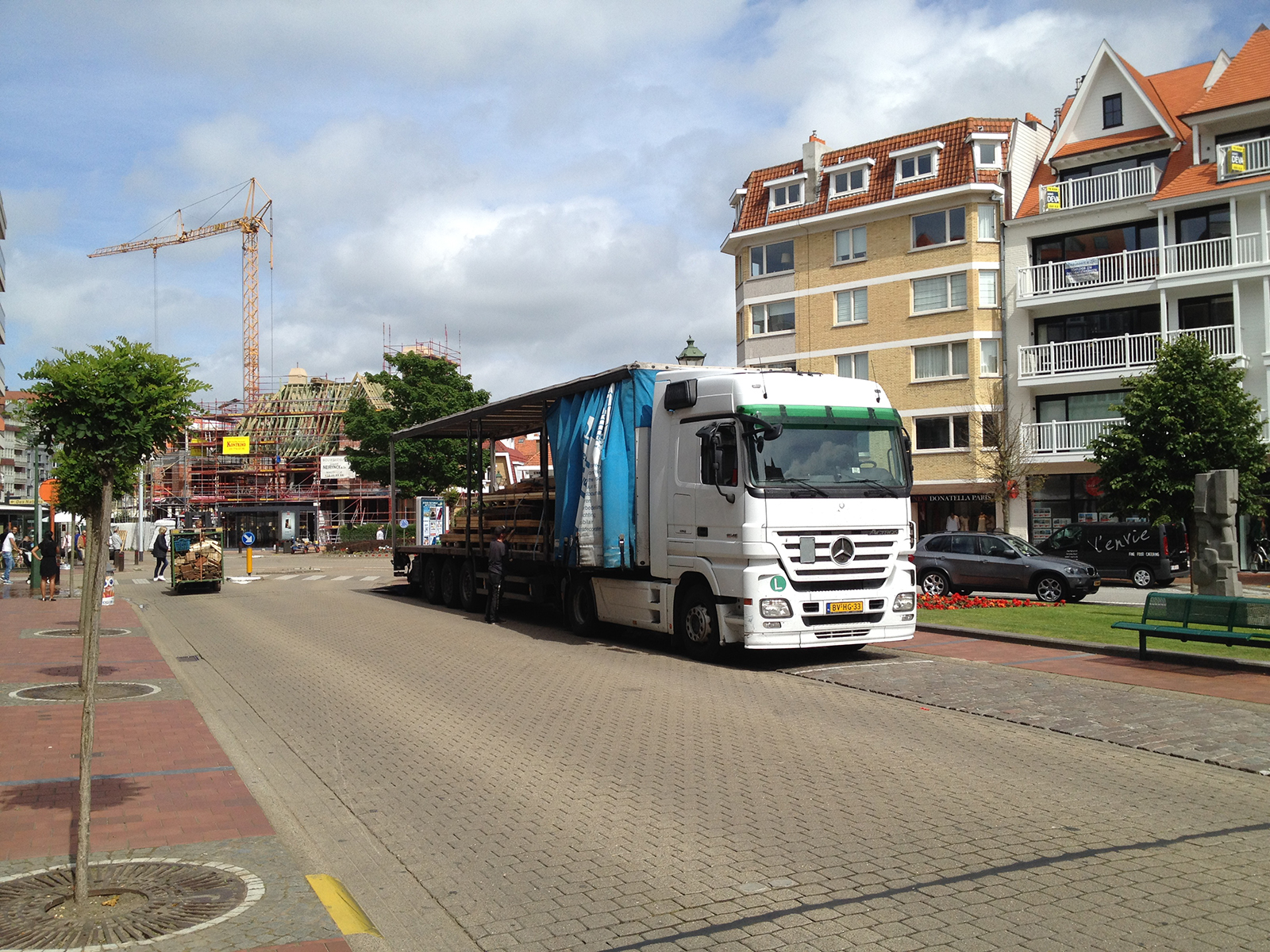 Pop-Up Store Mercedes -knokke setup-conceptexpo (3)