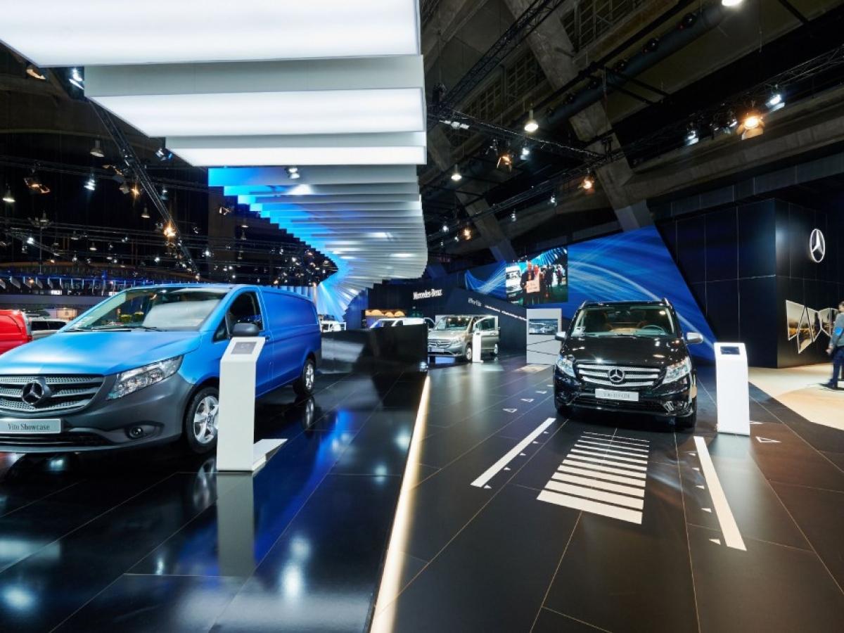 Het Salon voor auto's/motoren/bestelwagens 2017: Reserveer uw